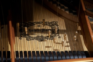 Prepared Piano, Harold Kilianski, photo